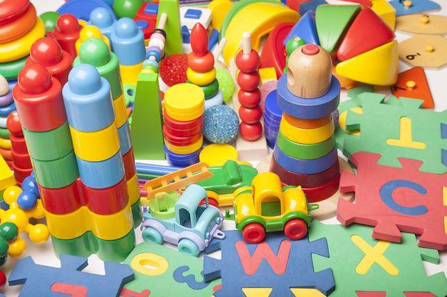 very many kids toys