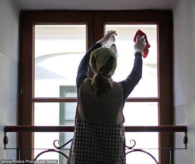 W okresie świątecznym ciężko jest znaleźć pomoc do sprzątania