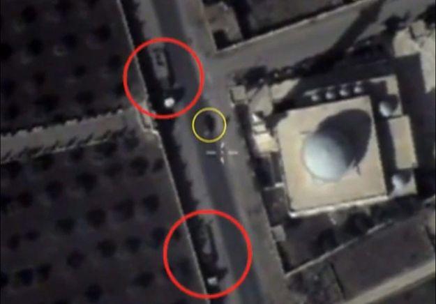 Zdjęcie z rosyjskiego drona, które według resortu obrony Rosji przedstawiają pojazdy IS