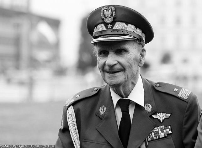 Dziś pogrzeb gen. Zbigniewa Scibor-Rylskiego