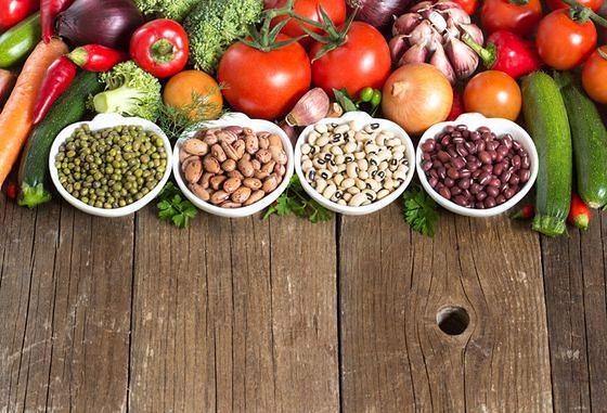 Glicynę znajdziemy między innymi w czerwonym mięsie, rosole czy pestkach dyni.
