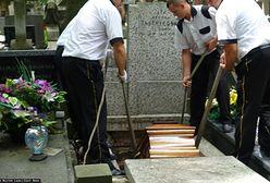 Pogrzeb w czasach koronawirusa. Rezygnacja z mszy św. i ograniczenie liczby osób na cmentarzu