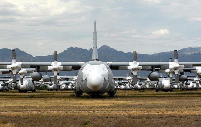 """Polska dostanie pięć samolotów C-130H od USA. Obecnie stoją na """"cmentarzysku"""""""