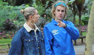 Hailey Bieber i Justin Bieber wzięli ślub kościelny. Suknia panny młodej od znanej projektantki