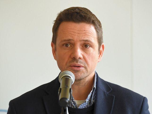 Warszawa. Rafał Trzaskowski podczas konferencji (18.03.2020)