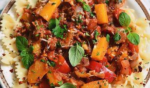 Sos paprykowo-pomidorowy z pietruszką