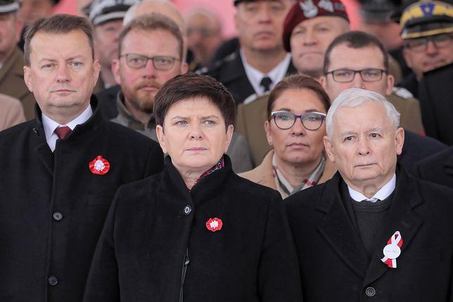 Mariusz Błaszczak, Beata Szydło i Jarosław Kaczyński na obchodach stulecia niepodległości