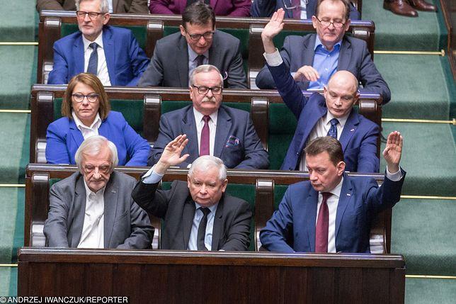 Głosowanie posłów w sprawie sędziów KRS