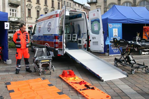 Karetka do przewożenia osób otyłych w krakowskim pogotowiu