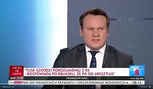 Poseł Nowoczesnej skwitował wypowiedź Tarczyńskiego uśmiechem