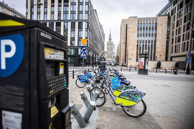 Warszawa nie zniosła opłat za parkowanie