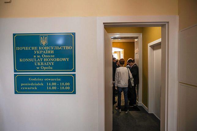 Opole. Mężczyzna został skazany za zniszczenie tablicy z herbem Ukrainy