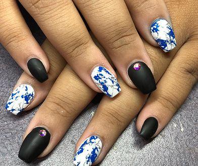 Stemple do paznokci pozwalają na bardzo łatwe wykonanie dowolnego wzoru.