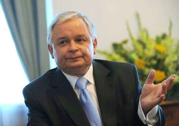 """""""Wprost"""" ujawnia nieoficjalne wypowiedzi Lecha Kaczyńskiego"""