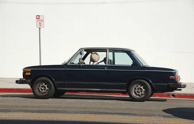 Kobieta z Hiszpanii przez 53 lata jeździła samochodem bez prawa jazdy