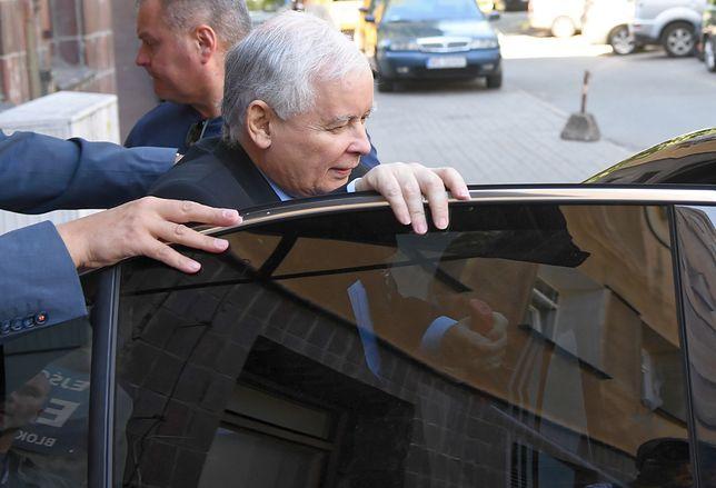 Łukasz Szumowski twierdzi, że prezes PiS był traktowany jak szeregowy pacjent