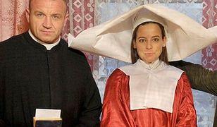 Mucha tuż przed porodem w stroju zakonnicy z Pudzianem przebranym za księdza!