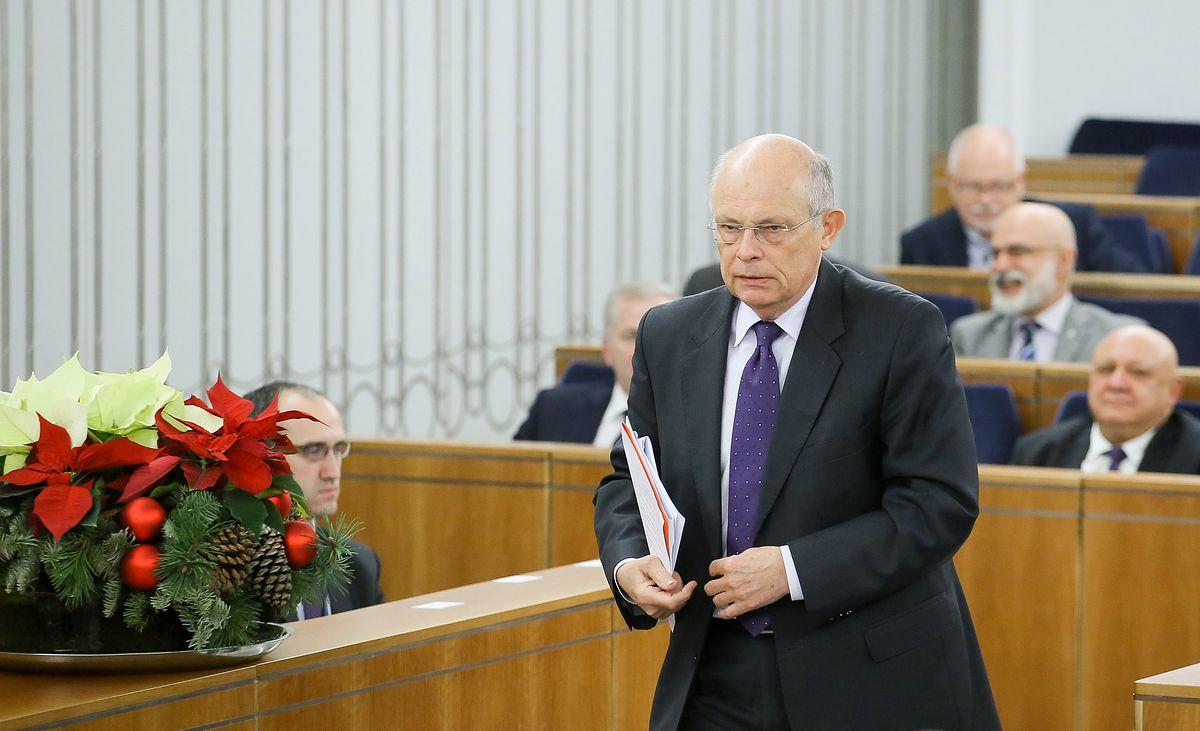 Emerytura. Kobiety z rocznika 1953 nadal bez ustawy, pomóc chce senator Marek Borowski