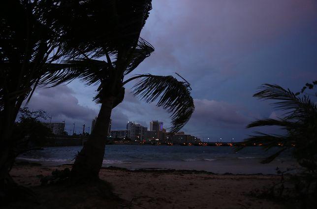 """Plaża na Puerto Rico przed uderzeniem huraganu """"Maria""""."""