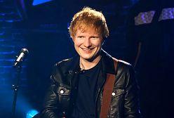 Ed Sheeran udzielał wywiadu, gdy zadzwonił telefon. Miny dziennikarzy bezcenne
