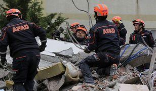Albania. Wzrosła liczba ofiar trzęsienia ziemi. Spod gruzów wydobyto kolejne ciała