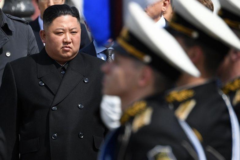 Korea Północna. Kim Dzong Un nie próżnuje. Wywiad ujawnia, jak spędza zimę