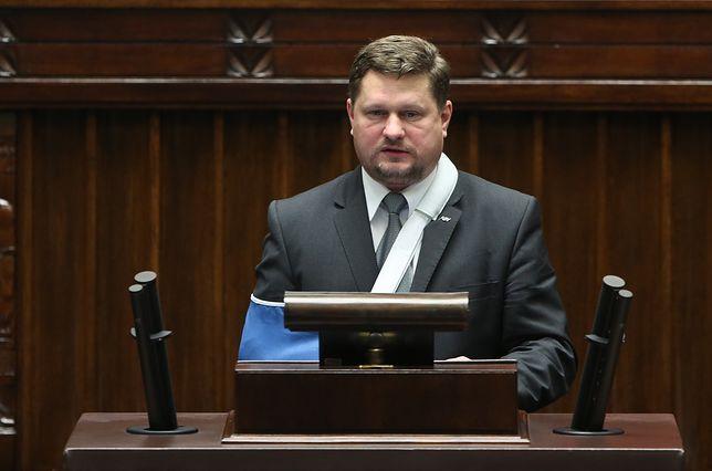 Bartosz Józwiak na sali sejmowej