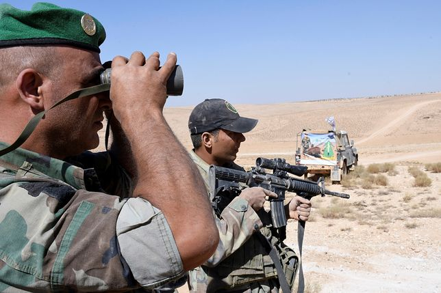 Żołnierze libańscy na granicy z Syrią
