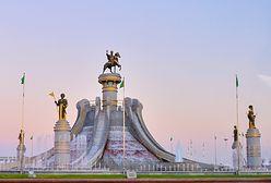 Turkmenistan. Prezydent odsłonił nowy pomnik w stolicy. Polacy mogliby się zdziwić