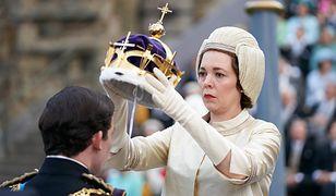 Olivia Colman jako królowa Elżbieta: bezduszna czy nieszczęśliwa?