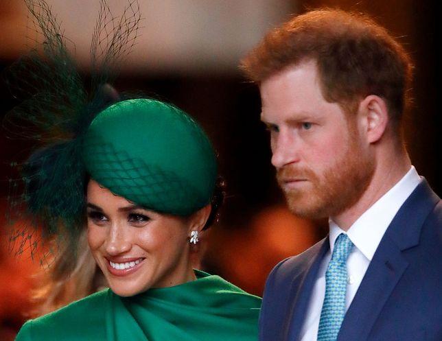 Meghan Markle kopiuje pozy królowej