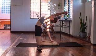 Polacy ćwiczą w domach. Rośnie sprzedaż sprzętu treningowego