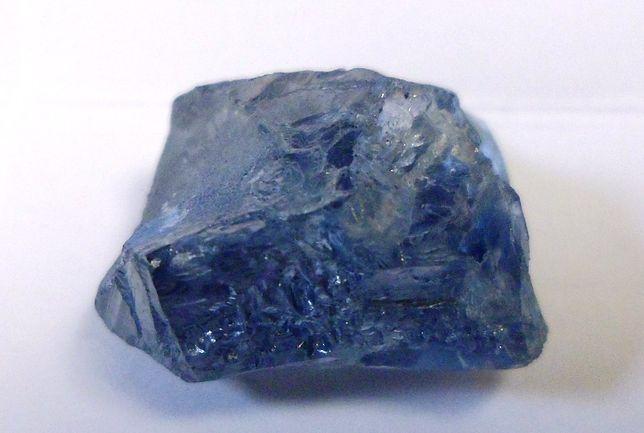 20-karatowy niebieski diament