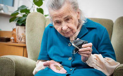 Iglicka-Okólska: podniesienie wieku emerytalnego było błędem