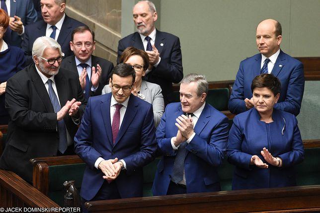 Gabinet premiera Mateusza Morawieckiego nie podał informacji o nagrodach w gabinecie zasłaniając się ochroną danych osobowych