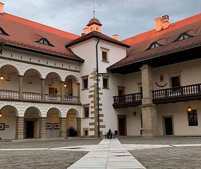 Pracownicy fundacji, która zarządzała Zamkiem w Niepołomicach, stracili pracę.