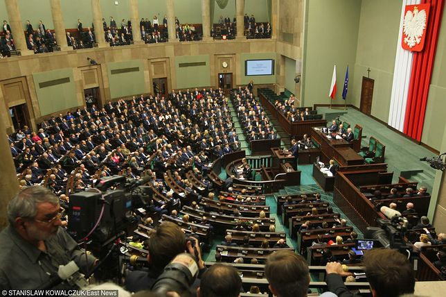 Nowa moda - Ślubowanie posłów VIII kadencji Sejmu