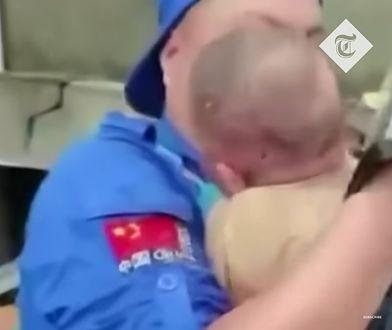 Dramat w Chinach. Matka zginęła ratując dziecko