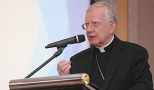 """LGBT i """"tęczowa zaraza"""". Kolejne wsparcie dla arcybiskupa Marka Jędraszewskiego z zagranicy"""
