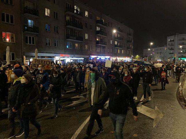 Aborcja w Polsce. Spontaniczny marsz z Żoliborza na Mokotów mógł liczyć nawet do 15 tys. osób