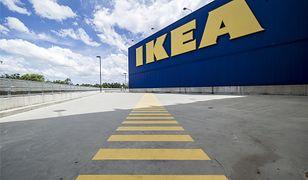 Otwarte sklepy meblowe, w tym IKEA. Ogromna kolejka