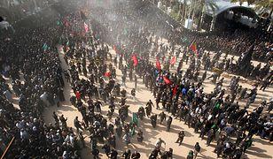 Szyici podczas obchodów święta Aszury w Iraku