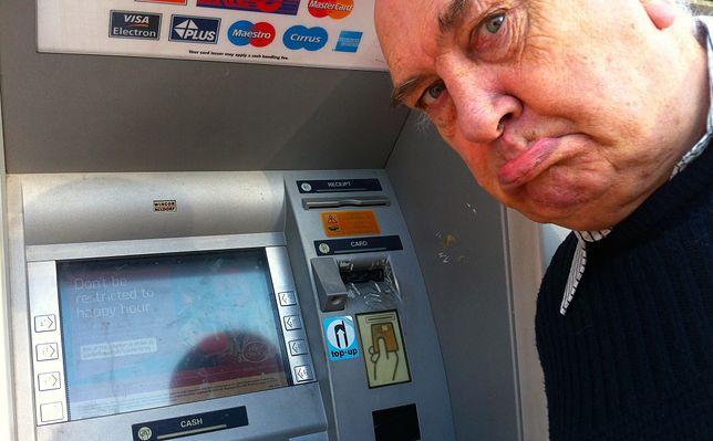 Bankomaty kilku banków mogą w najbliższy weekend odmawiać współpracy