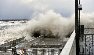 Silny wiatr i cofka na Pomorzu