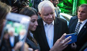 NEWS WP: PiS zmienia prawo. Jarosław Kaczyński chce wzmocnić pozycję kobiet na rynku pracy. Znamy projekt ustawy