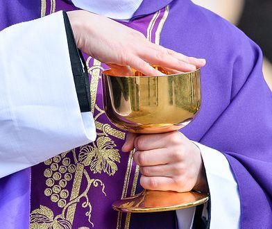 Ksiądz z Wydmin, który przyjechał pijany na pogrzeb został ukarany przez biskupa (zdjęcie ilustracyjne)