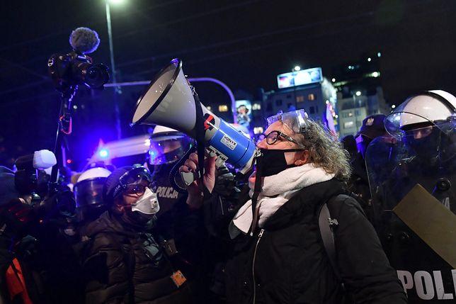 Strajk Kobiet. Marta Lempart przed prokuraturą. Ozdoba złożył zawiadomienie