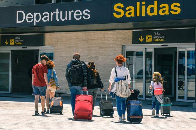 Bezpłatne miejsca obok siebie dla rodzin w samolocie. Złożono petycję