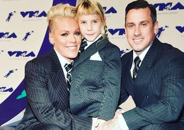 Pink z córką i mężem