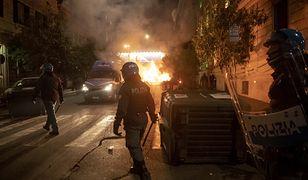 Koronawirus. Włochy buntują się przeciwko obostrzeniom. Doszło do starć z policją